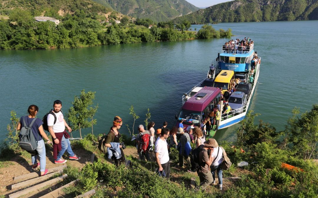 One Day Tour in Komani Lake for only 26 Euro! All incluzive!