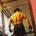 プロのパーソナルトレーナーが教える美しい背中を作るコツ−肩甲骨編