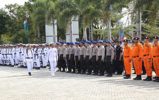 ATRAKSI DRUMBAND GENDERANG CAHAYA SAMUDRA MERIAHKAN HUT KE-72 TNI
