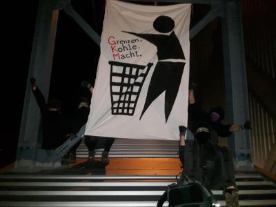 Aufstand mit Abstand: Blockade am GKM - Protest bei Heidelberg Cement
