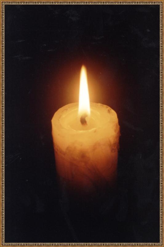 El simbolismo de los cirios y las velas en los Altares de Muertos