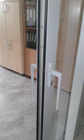 Подъемно - сдвижные двери вид замка