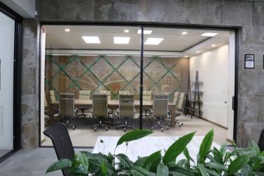 Переговорная комната вид изнутри