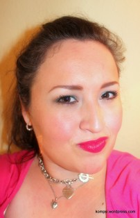 Hot pink lipstick finishes the look! Perfect for spring and summer!
