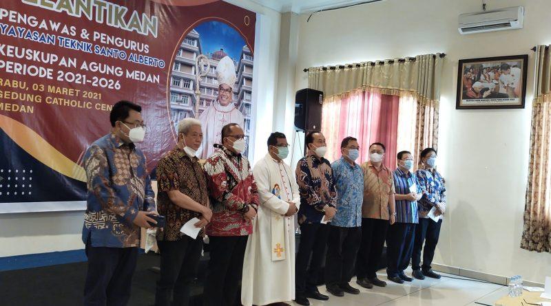 Mgr. Kornelius Lantik Pengawas & Pengurus Yayasan Teknik Santo Albertus