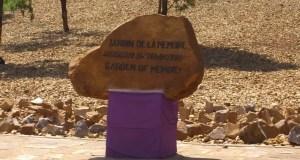 Monument commémoratif du génocide au Rwanda. Photo de The Advocacy Project, utilisée sous licence CC BY-NC-SA 2.0