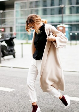 blogger with minimal style