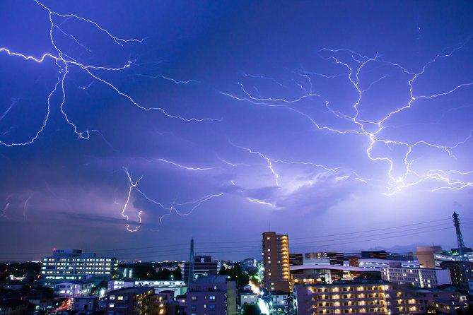 Thunder_surge