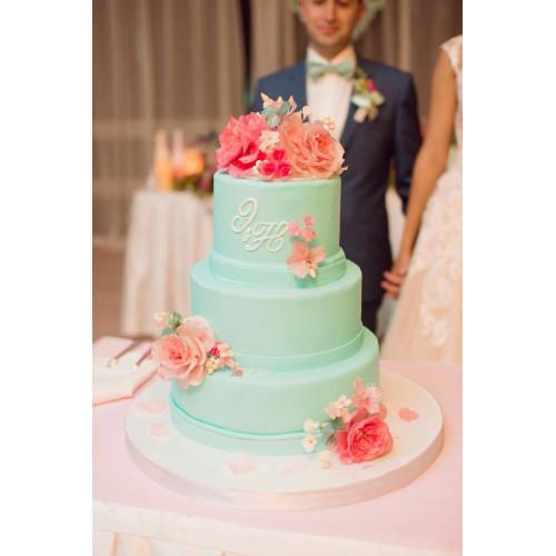 Заказать классический свадебный торт голубого цвета в ...