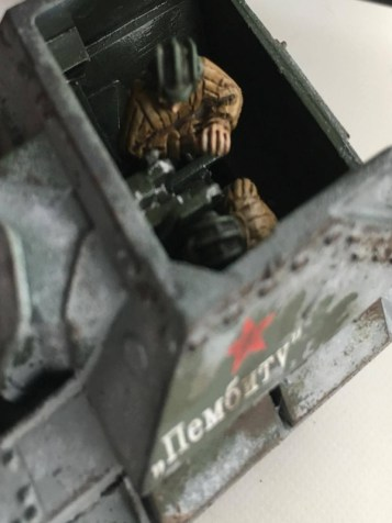 Close up of the Crew showing the weathering on the top of the SU-76