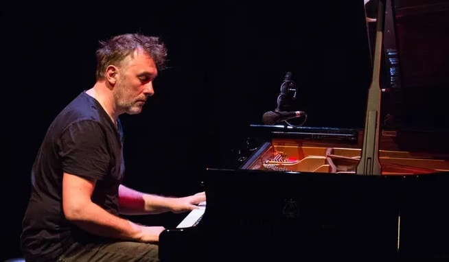 Download pern sheet music by Yann Tiersen 2 in pdf and mp3_ kongashare.com_m.jpg