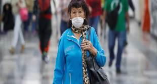 Une femme mexicaine avec masque visage pour se protéger contre le Covid-19.