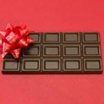 バレンタインの職場での義理チョコの相場は?渡し方や安くする方法も!