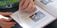 Levensboek-in-handen-4