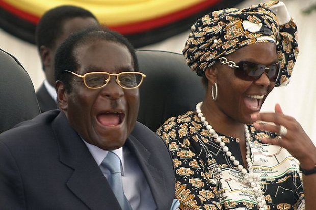 Robert and Grace Mugabe2.jpg