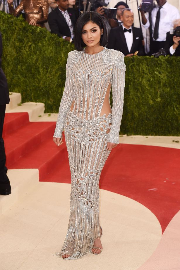 kylie-jenner-at-the-metropolitan-museum-of-arts-costume-institute-benefit