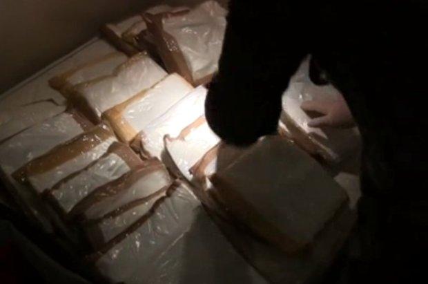 Roberge Legace drug hull on cruise ship1