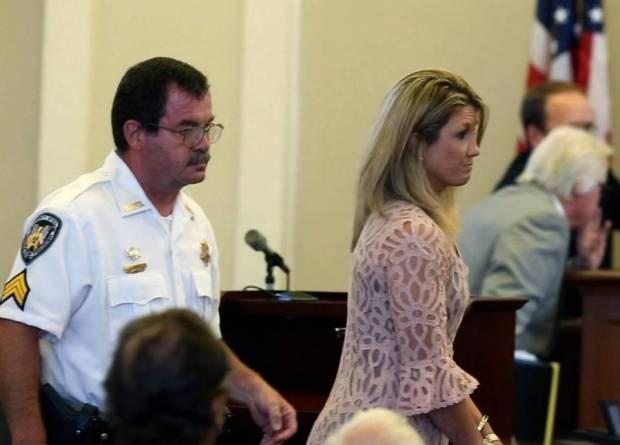 Leslie-DeWitt at her sentencing5.jpg