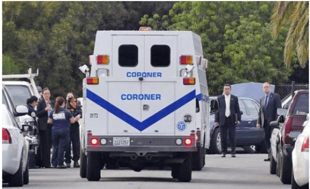 Coroner's office retrieve Lisa Naegle's body.png