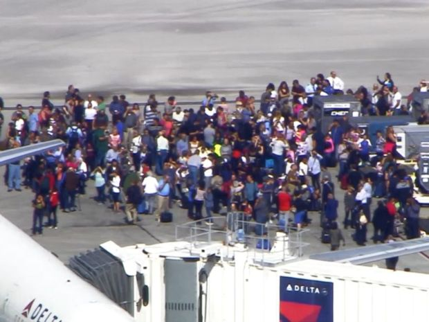 chaos-on-the-tarmac-after-gun-man-opened-fire-at-fort-lauderdale-hollywood-international-airport-in-florida-jan-6