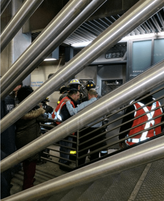 police-activity-on-the-platform-after-the-train-crash1