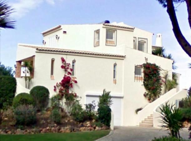 David Mills house in Portugal.jpg