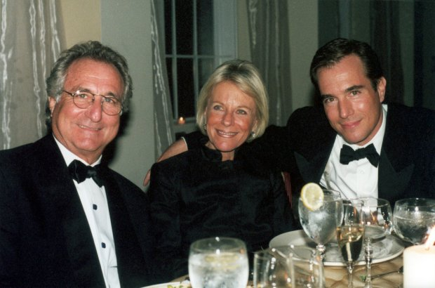 Mark Madoff, right, with his parents Bernard and Ruth Madoff in November 2001.jpg
