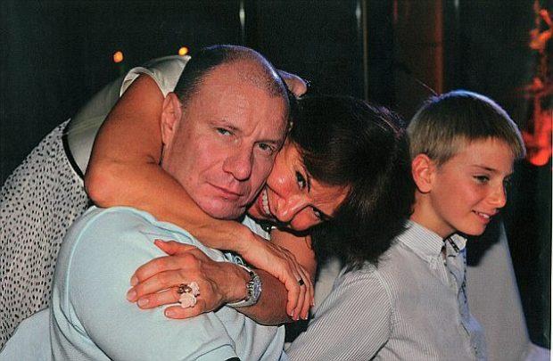 Natalia and Vladimir Potanina before they break.jpg