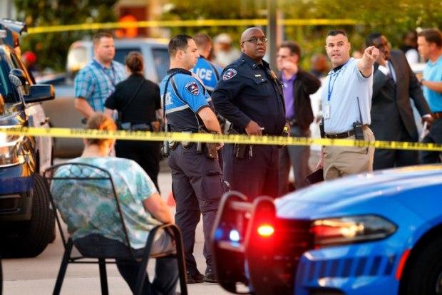 Zona Caliente, Arlington, Texas  shooting1.jpg