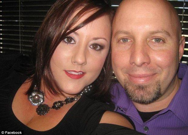 Amanda Harris and her husband Clarence Wayne Harris 1.jpg