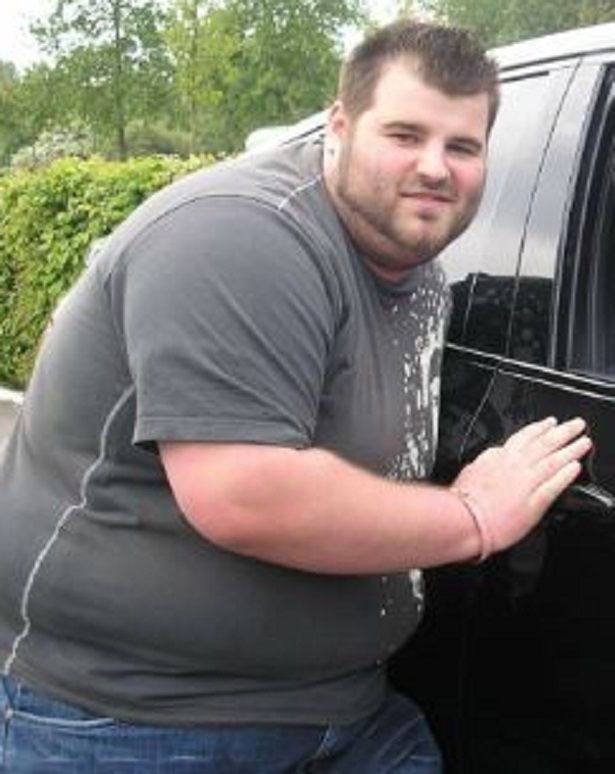 Mike Vaughan weighed over 400 lbs before his weight loss.jpg