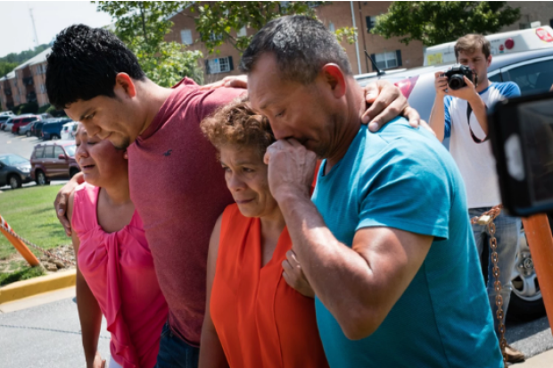 Family members of the two deported brothers. From left to right: Fatima Claros Saravia, 25, Jonathan Claros Saravia, 29 and their parents Lucia Saravia and Jose Claros Saravia 1.png