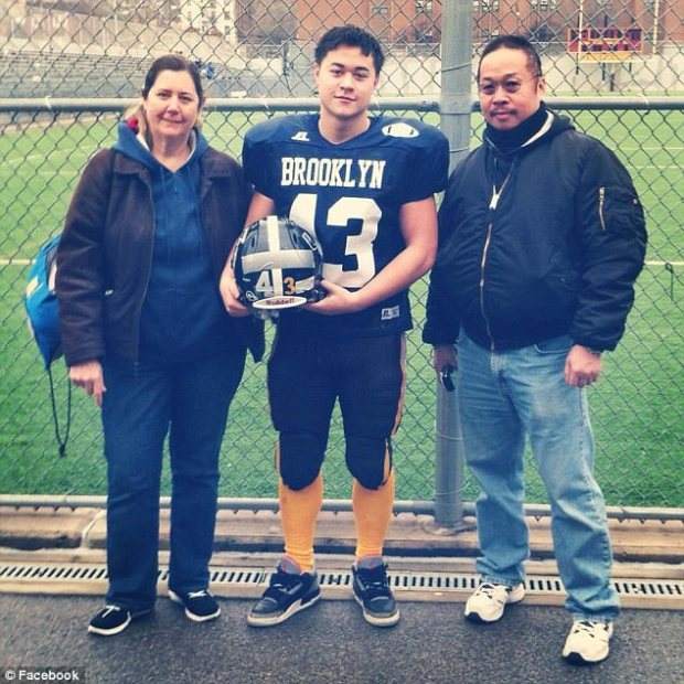 Kevin Eng with mom Maureen and Dad.jpg
