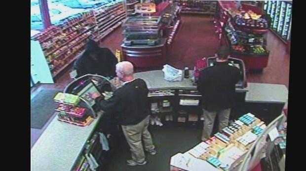 lEddie Tipton was caughtt on tape buying the lottery ticket 2.jpg