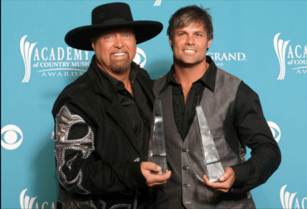 Eddie Montgomery (L) and Troy Gentry of Montgomery Gentry 2.png