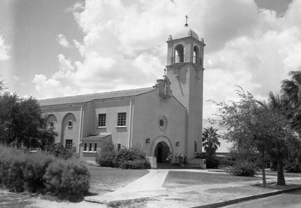 Sacred Heart Catholic Church in Edinburg, Texas.jpg