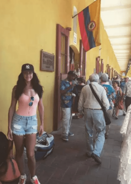 Isabelle Lagace in Cartagena, Colombia.png