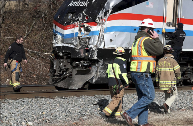 Front of crashed Amtrak train 2.png