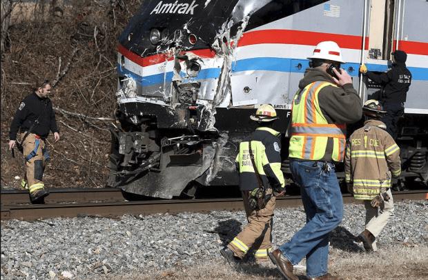 Front of crashed Amtrak train 2.png