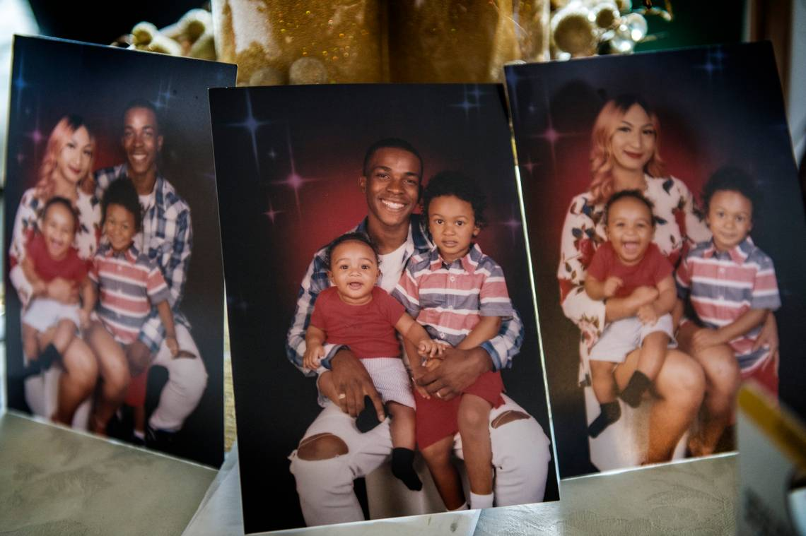Stephon Clark, Manni his girlfriend and their kids 1
