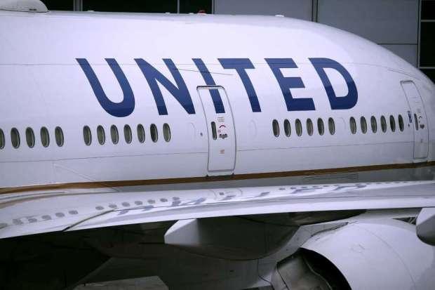 United Airlines plane 1.jpg