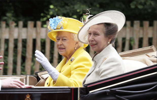 Gueen Elizabeth and her daughter, Princess Anne at the 2018 Royal Ascot 1.png