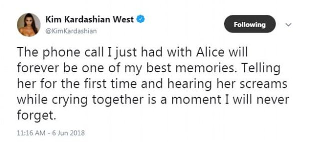 Kim Kardashian tells Alice Johnson she is released 1.jpg