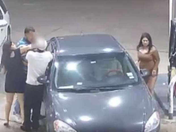 4 women offer man at club a free ride only to set him up for a violent gas station 7