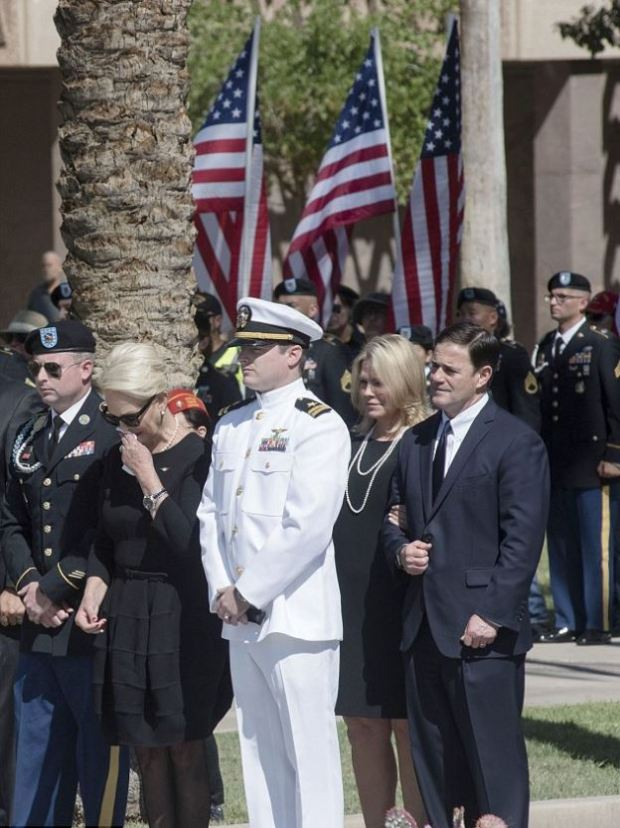 Cindy McCain, escorted by her sons Jack and Jimmy McCain with Arizona Governor Doug Ducey1.JPG