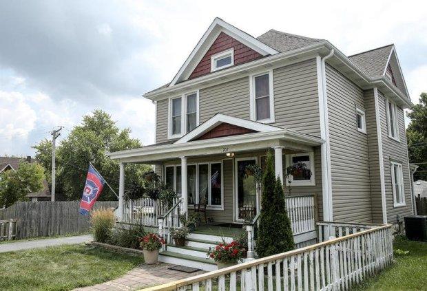 Kazecki family home in Joliet, Illinois 3.jpg