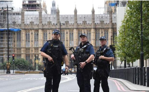 Police patrol Westminster after the crash.JPG