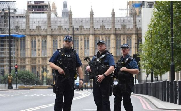 Police patrol Westminster after the crash.JPG