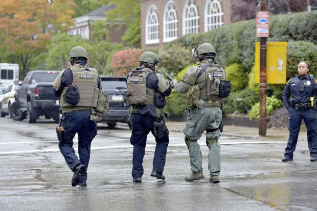 Police respond tto synagogue shoting in Pittsburg, PA 1.jpg