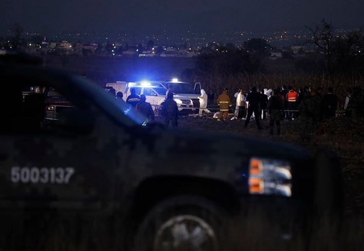 Rescue efforts at the spot where Martha Erika Alonso and her husband Rafael Moreno Valle Rosas died in a plane crash 3